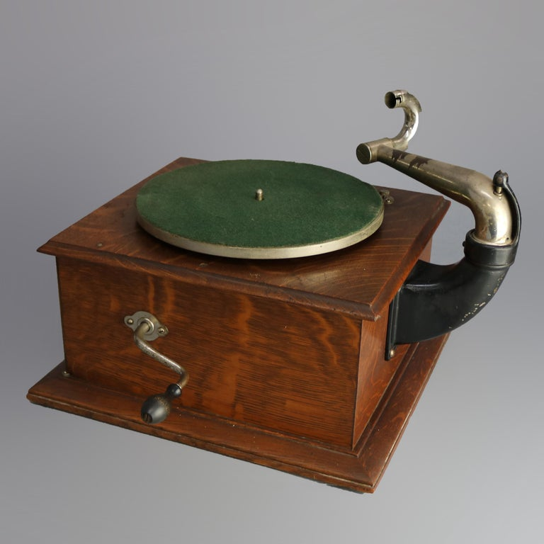 Antique Victor Victrola IV Oak Phonograph 'Missing Reproducer', Circa 1900 In Good Condition For Sale In Big Flats, NY