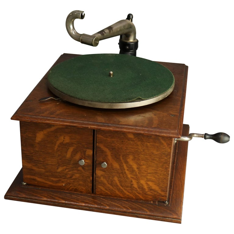 Antique Victor Victrola IV Oak Phonograph 'Missing Reproducer', Circa 1900 For Sale
