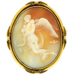 Antique Victorian 10 Karat Yellow Gold Brooch with Carnelian Cameo, circa 1850s