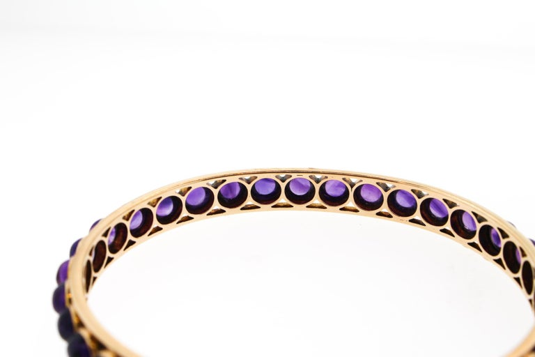 Antique Victorian 14 Karat Rose Gold Cabochon Amethyst Bangle Bracelet In Good Condition For Sale In New York, NY