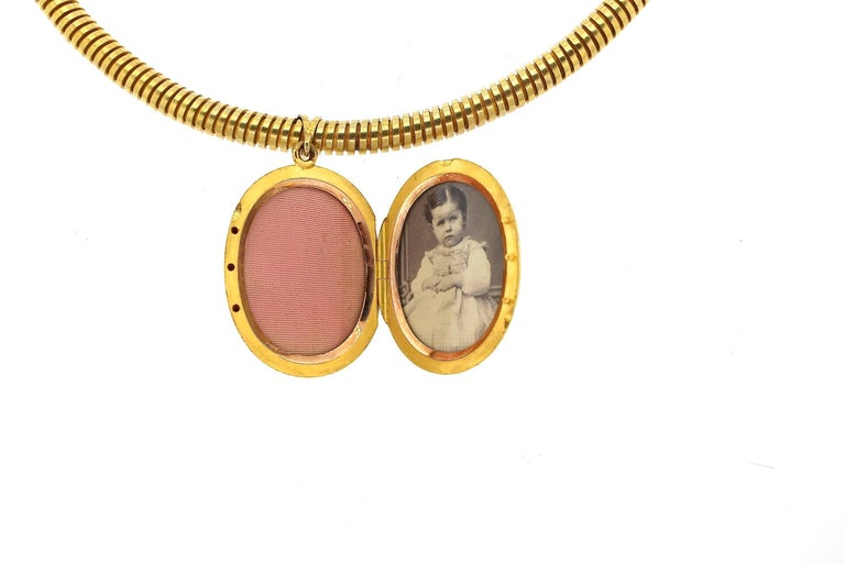 Antique Victorian Russian Ruby Gold Horseshoe Pendant Gaspipe Necklace In Good Condition For Sale In New York, NY