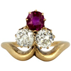 Antique Victorian 15 Karat Gold Ladies Ring with Natural Burma Ruby and Diamonds
