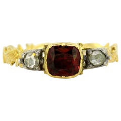 Antique Victorian 15 Karat Gold Ring with Ruby and Diamonds, England, 1860s