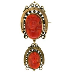 Antique Victorian 15 Karat Yellow Gold Brooch with Natural Coral Carving