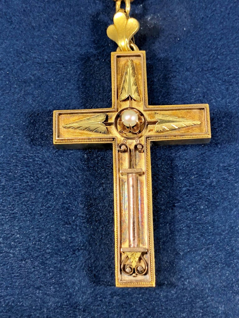 Antique Victorian 15 Karat Book Chain and Cross with Seed Pearl Pendant Necklace For Sale 1