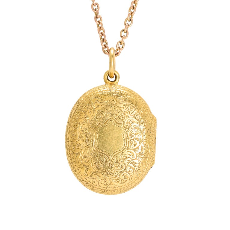 Antique Victorian 15 Karat Gold Oval Locket For Sale