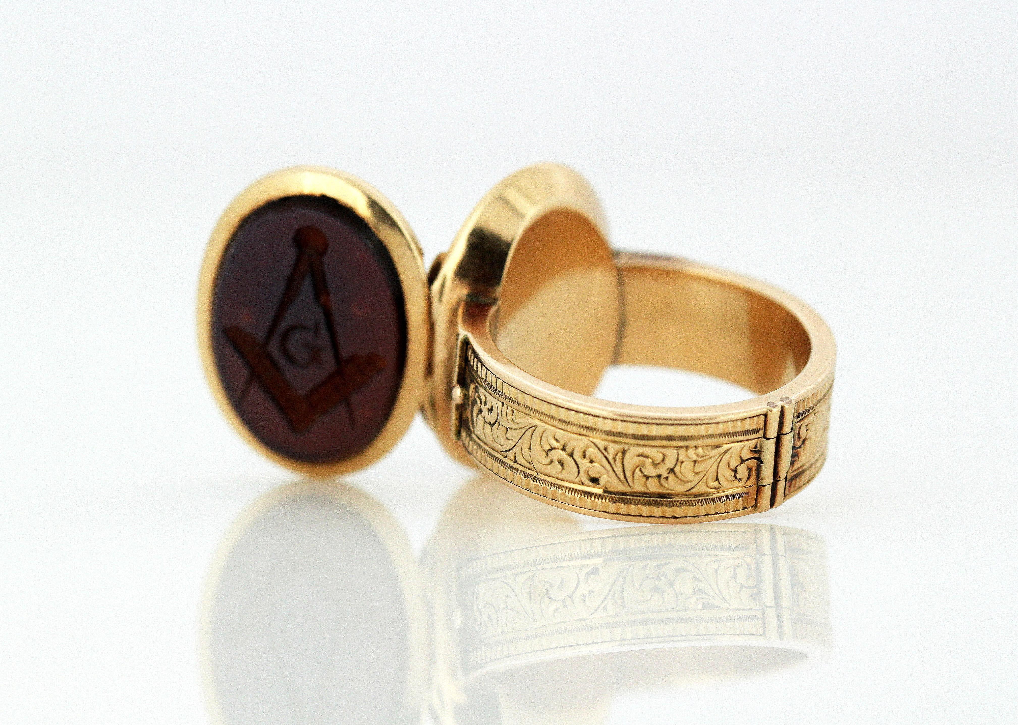 Antique Victorian 15 Karat Gold Masonic Locket / Mourning Ring, circa 1860s