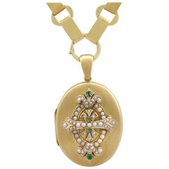 Antique Victorian 1880s Emerald and Seed Pearl Yellow Gold Locket