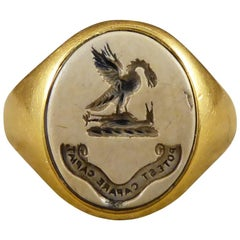 Antique Victorian 18ct Gold and Carved Agate Stone Crest Gents Ring, circa 1870