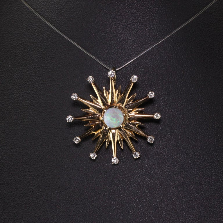 Vintage 18 Karat Yellow Gold Black Opal and Diamond Star Burst Pin Pendant In Good Condition For Sale In Great Neck, NY