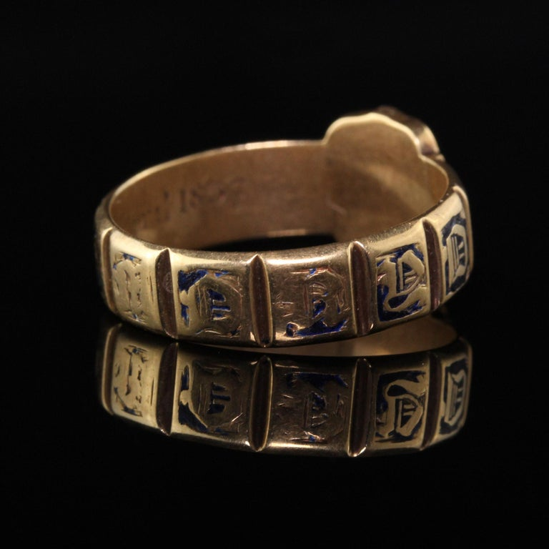 Antique Victorian 18 Karat Yellow Gold Enamel and Onyx Engraved Ring In Good Condition For Sale In Great Neck, NY