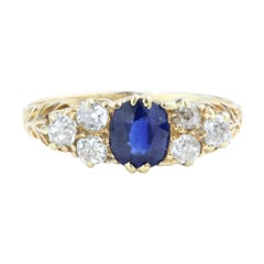Antique Victorian 18kt Yellow Gold Ladies Ring with Natural Blue Sapphire & Dia