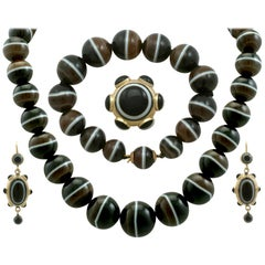 Antique Victorian Banded Agate Yellow Gold Jewelry Set
