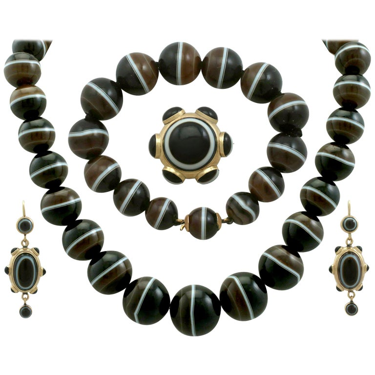 Antique Victorian Banded Agate Yellow Gold Jewelry Set For Sale