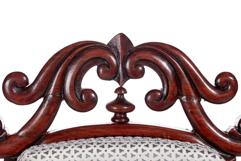 Antique Victorian Carved Mahogany Hall Chair For Sale 7