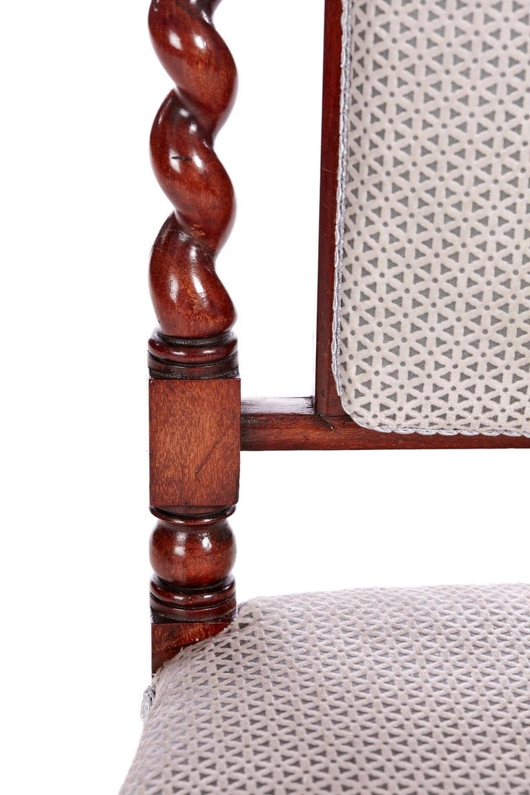 Antique Victorian Carved Mahogany Hall Chair In Excellent Condition For Sale In Stutton, GB