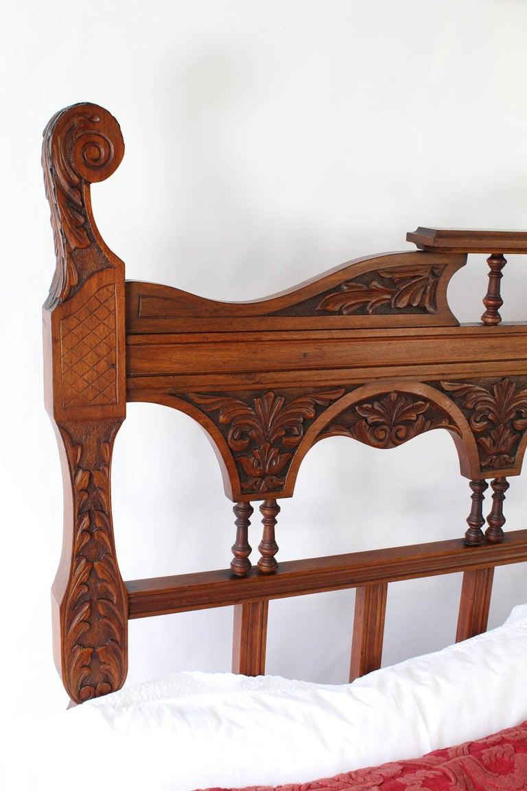 Antique Victorian Carved Walnut Bedstead UK Double Bed / US Full 'Frame' For Sale 4
