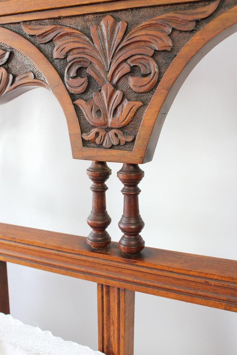 Antique Victorian Carved Walnut Bedstead UK Double Bed / US Full 'Frame' For Sale 6