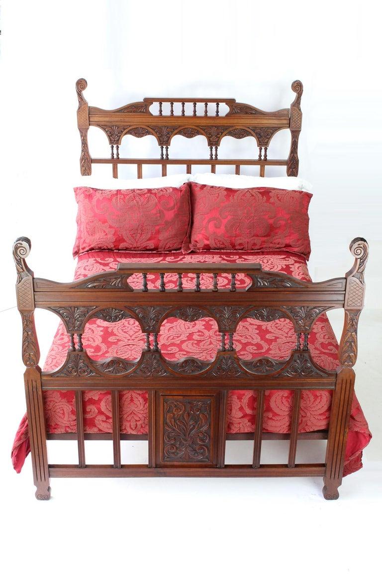 Antique Victorian Carved Walnut Bedstead UK Double Bed / US Full 'Frame' For Sale 7