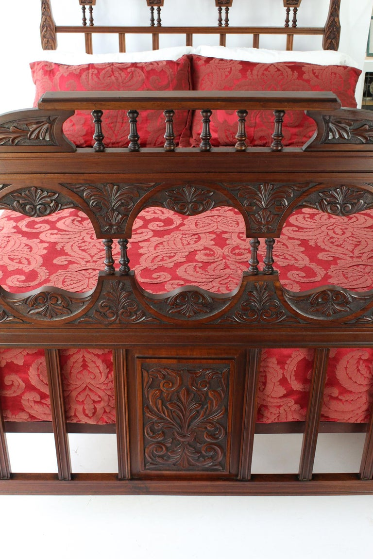 Arts and Crafts Antique Victorian Carved Walnut Bedstead UK Double Bed / US Full 'Frame' For Sale