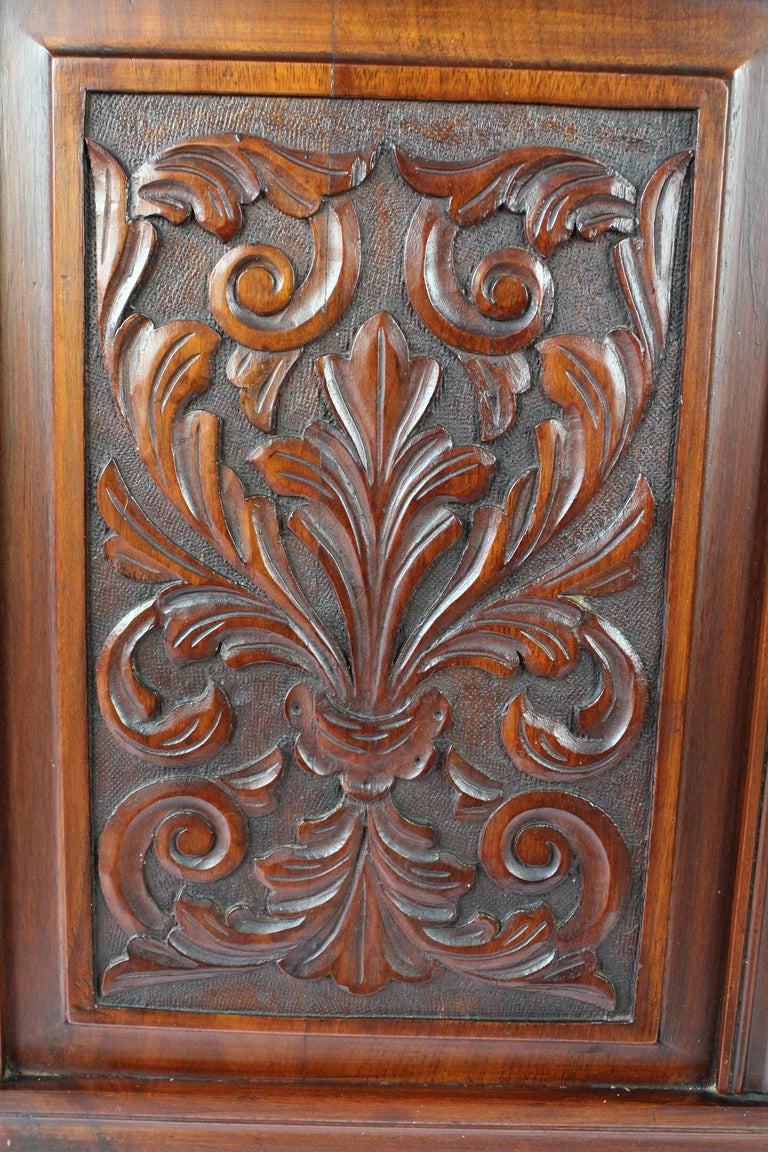 Antique Victorian Carved Walnut Bedstead UK Double Bed / US Full 'Frame' In Good Condition For Sale In Leeds, West Yorkshire