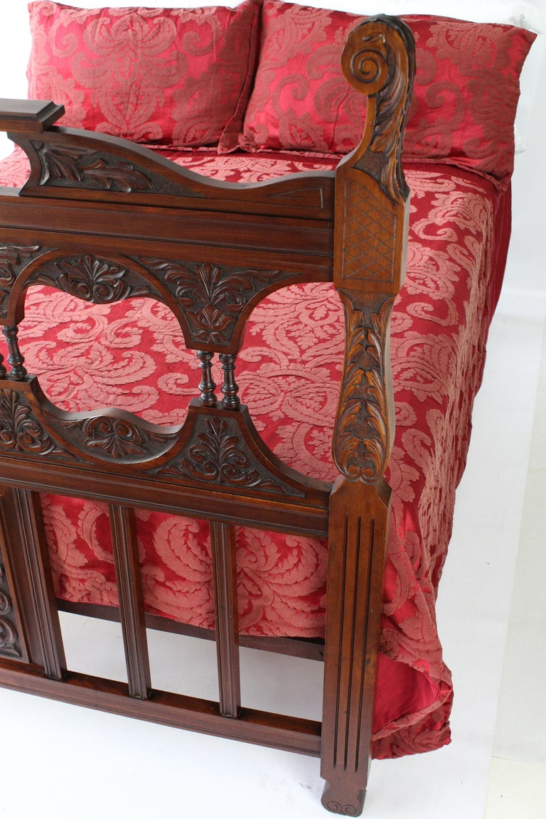 Antique Victorian Carved Walnut Bedstead UK Double Bed / US Full 'Frame' For Sale 3