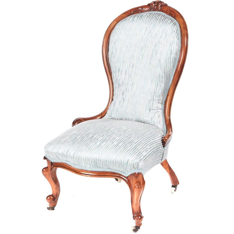 Antique Victorian Carved Walnut Ladies Chair For Sale - Antique Victorian Carved Walnut Ladies Chair For Sale At 1stdibs