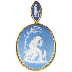 Antique Victorian Carved Wedgewood Cameo 18 Carat Gold Locket Pendant