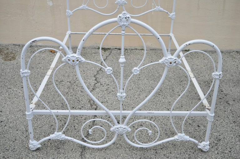 Antique Victorian Cast Iron Ornate White Scrollwork Full Size Metal Bed Frame In Good Condition In Philadelphia, PA