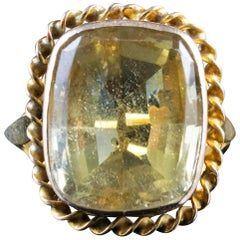 Antique Victorian Citrine Ring 18 Carat Yellow Gold, circa 1900