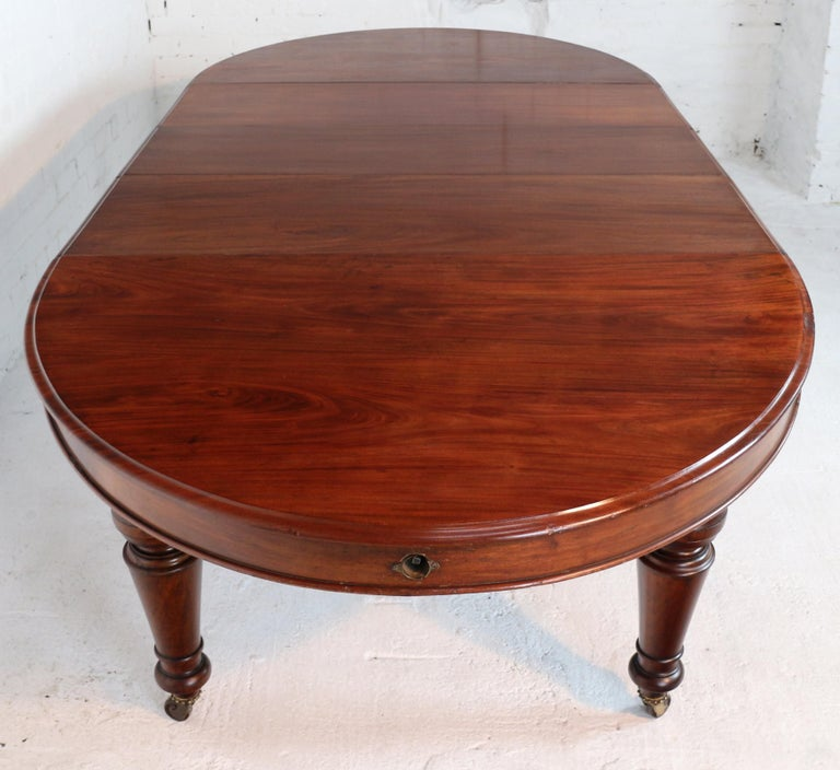 Dining Table Seats 12: Antique Victorian Cuban Mahogany Extending Dining Table