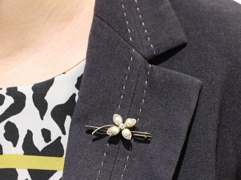 Antique Victorian Diamond and Pearl Yellow Gold Clover Brooch For Sale 4
