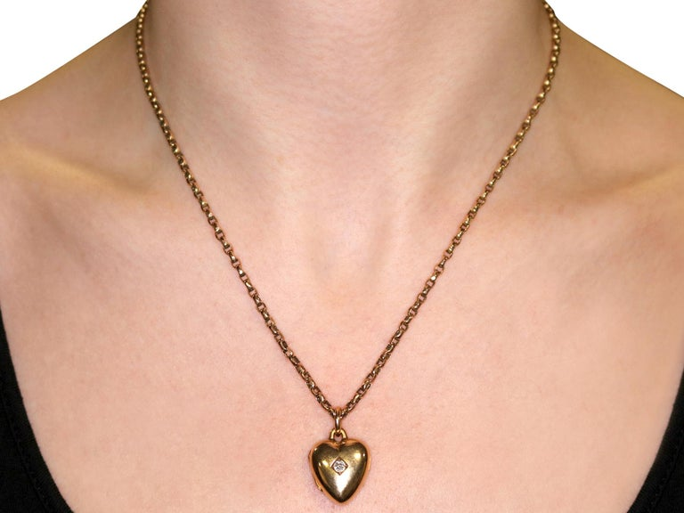 Antique Victorian Diamond and Yellow Gold Heart Locket For Sale 7