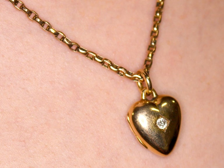 Antique Victorian Diamond and Yellow Gold Heart Locket For Sale 8