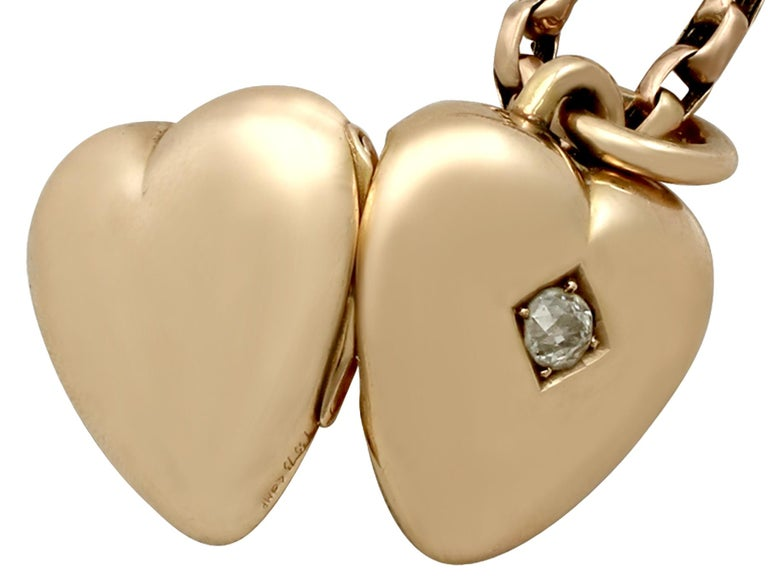 Antique Victorian Diamond and Yellow Gold Heart Locket For Sale 2
