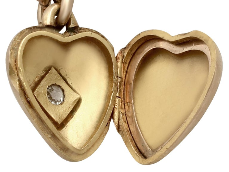 Antique Victorian Diamond and Yellow Gold Heart Locket For Sale 3