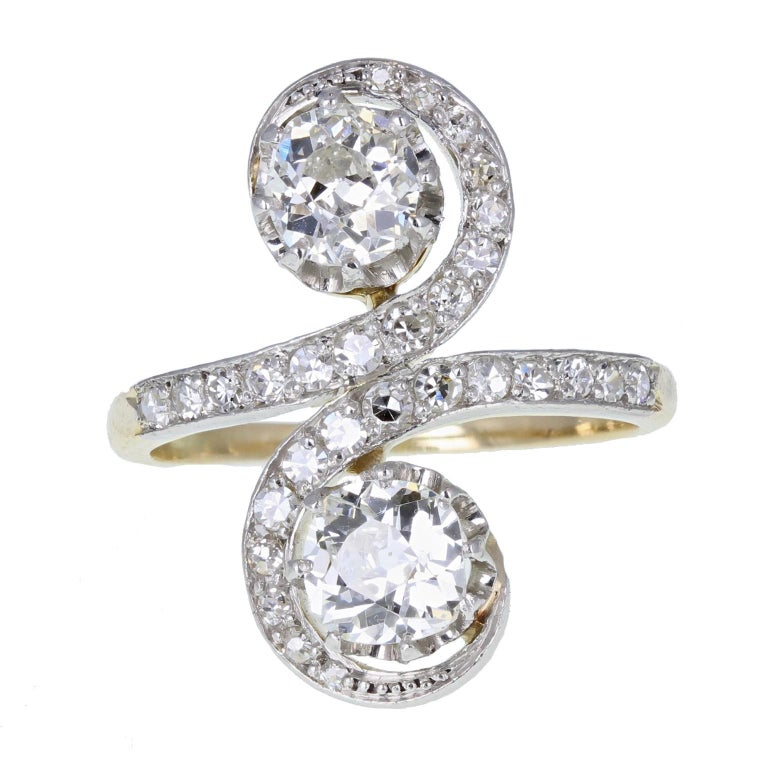 Antique Victorian Diamond Toi-et-Moi Two-Stone Twist Ring For Sale