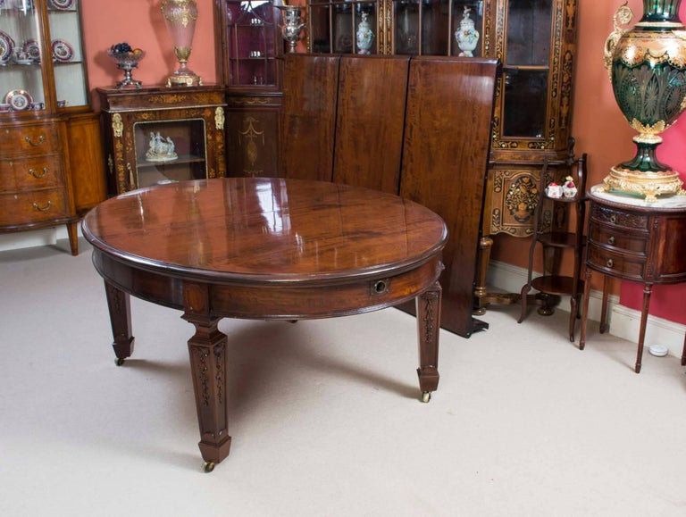 Antique Victorian Dining Table and 12 Chairs 19th Century In Excellent Condition In London, GB