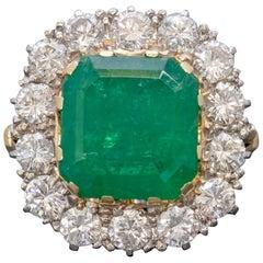 Antique Victorian Emerald Diamond Cluster Ring 18 Carat Gold, circa 1900