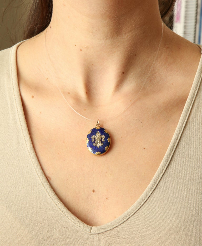 Antique Victorian  Champleve Enamel Locket For Sale 2