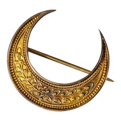 Antique Victorian Etruscan Crescent Brooch in 15 Carat Yellow Gold in Fitted Box