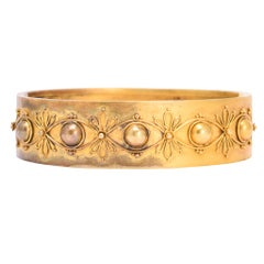 Antique Victorian Etruscan Revival 15 Karat Gold Bangle