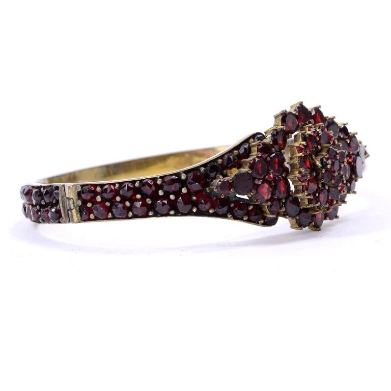 Antique Victorian Garnet Hinged Clamper Bracelet In Good Condition For Sale In Portland, OR