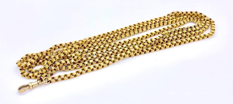 Beautiful strong 14ct longguard chain with swivel made out of  14 k gold. The chain can be worn long or three to four times round the neck.