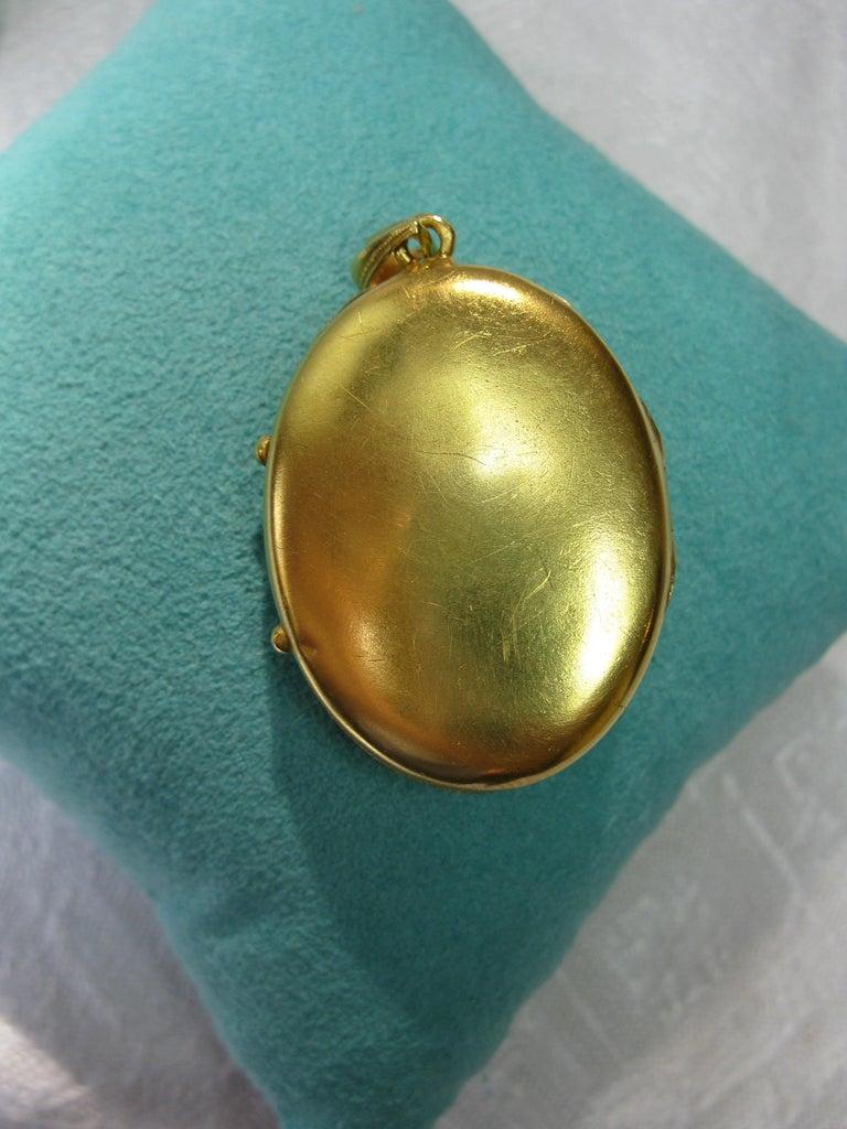 Antique Victorian Gold Locket 16 Karat Etruscan Pearl, circa 1860 For Sale 4