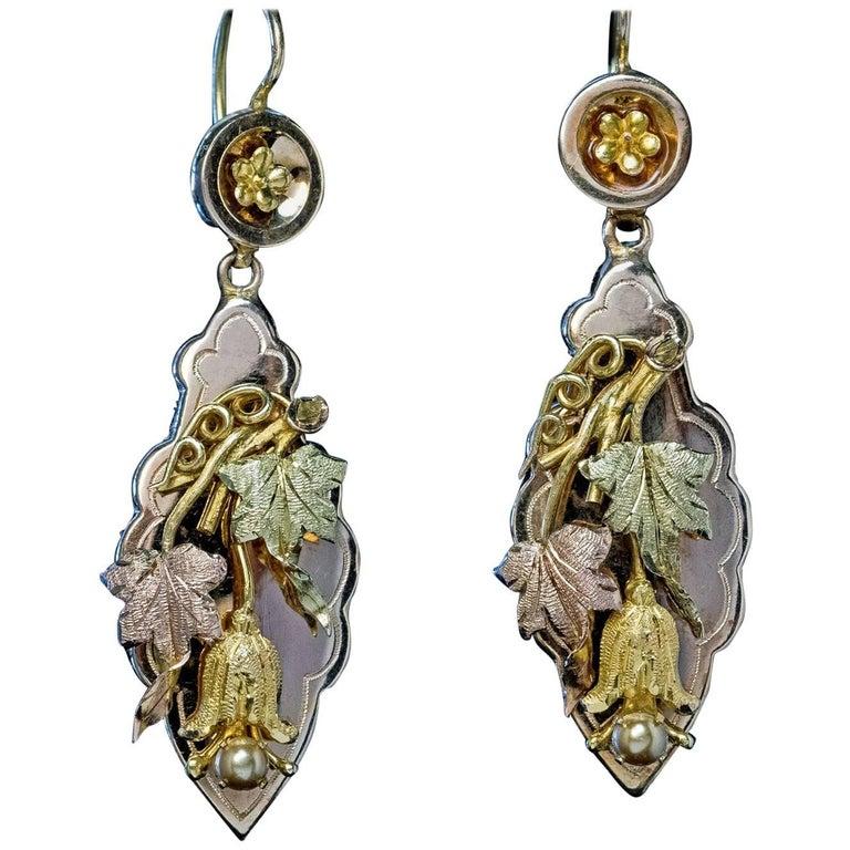 Antique Victorian Grape Vine Motif Gold Earrings For Sale