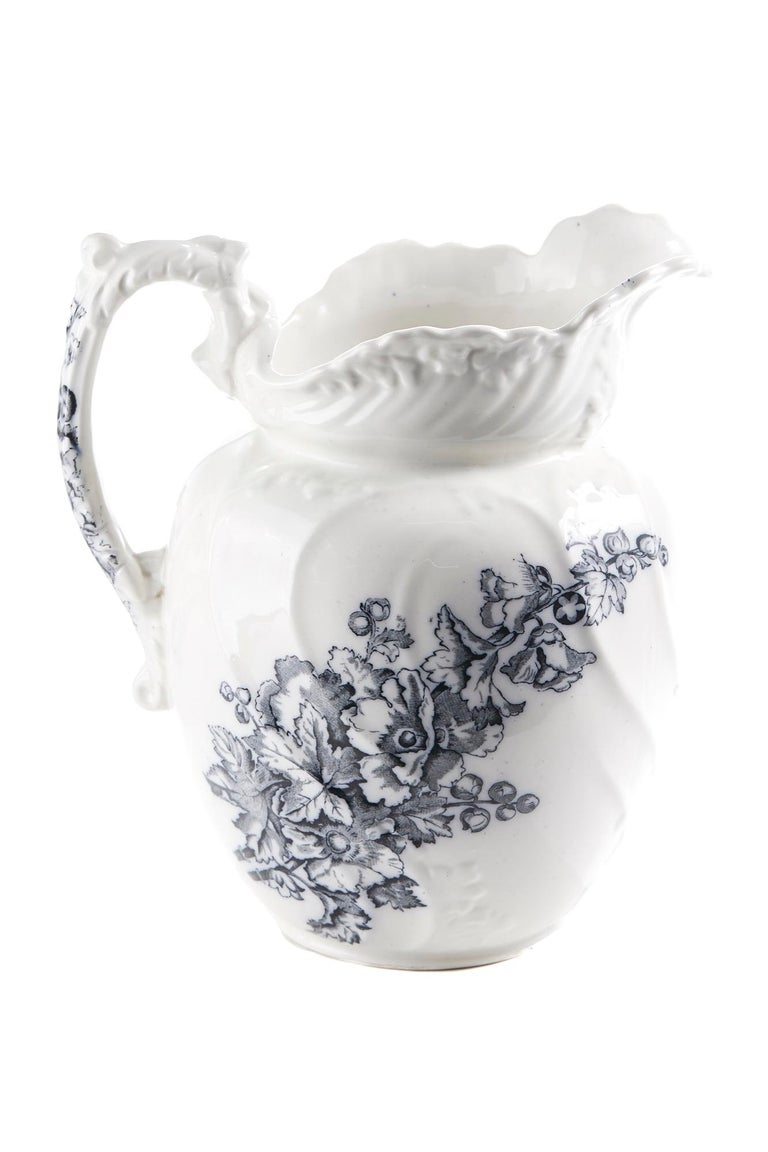 Antique Victorian Gray and White Jug and Bowl For Sale 4