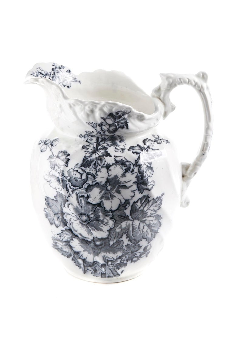 Antique Victorian Gray and White Jug and Bowl For Sale 3