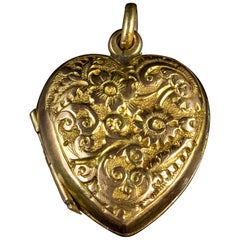Antique Victorian Heart Locket 9 Carat Gold Dated 1900