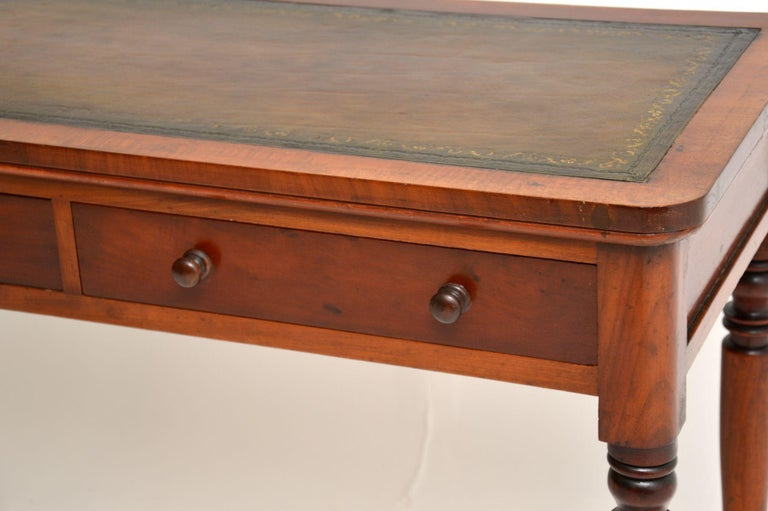 Antique Victorian Leather Top Writing Table / Desk In Good Condition For Sale In London, GB